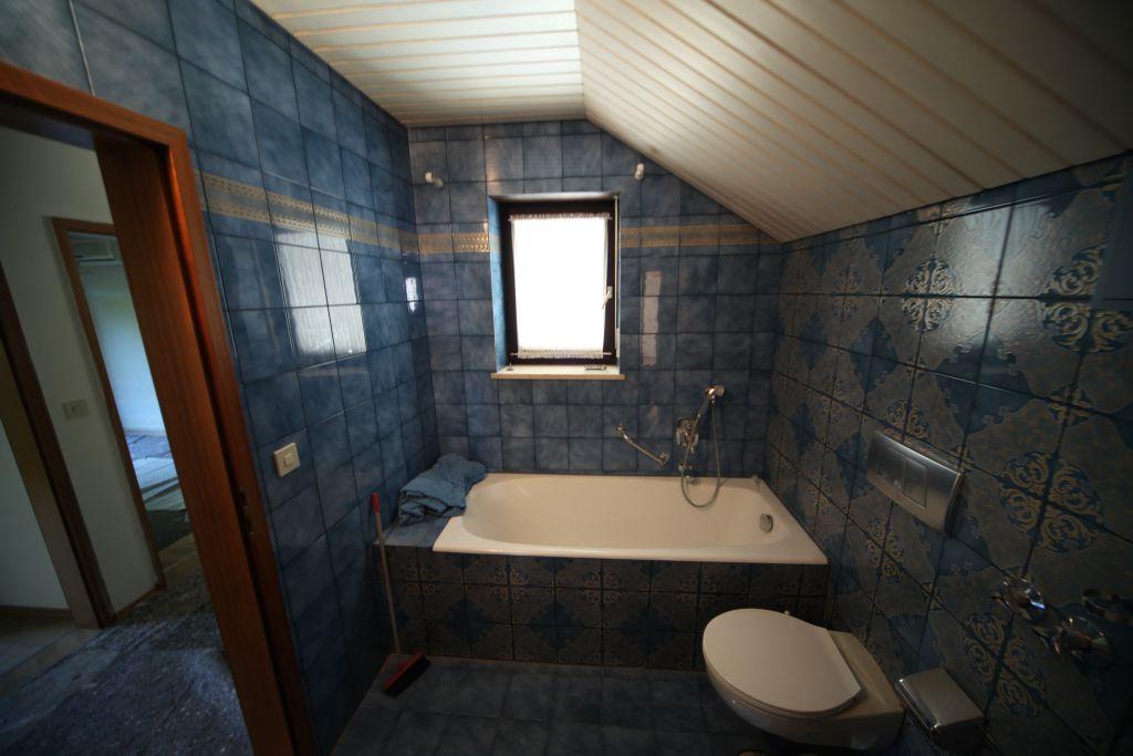 haus 2 baddg bild 1 sanieren in regensburg bossmann gmbh. Black Bedroom Furniture Sets. Home Design Ideas