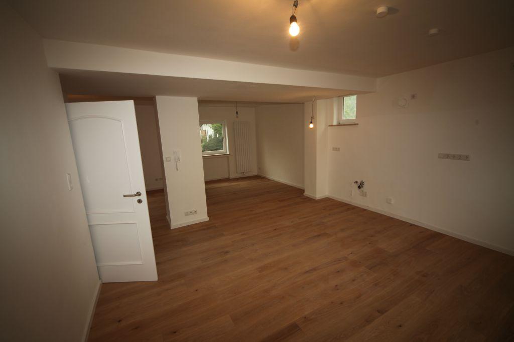 1 eg bild 2 sanieren in regensburg bossmann gmbh. Black Bedroom Furniture Sets. Home Design Ideas