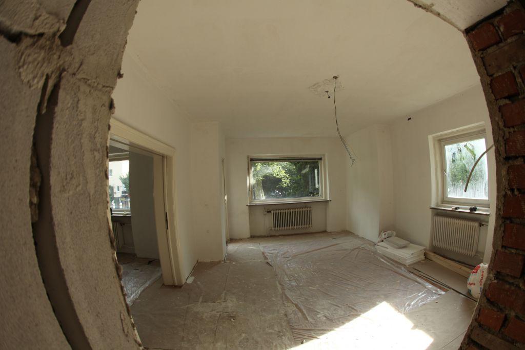 haus 4 wohnzimmer bild 1 sanieren in regensburg. Black Bedroom Furniture Sets. Home Design Ideas