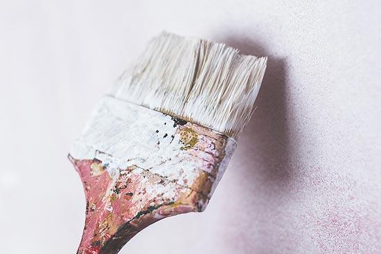 Schimmel entfernt - Wand streichen